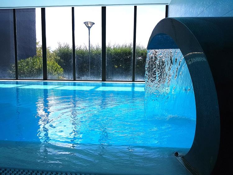detail cascata piscina copy.jpg